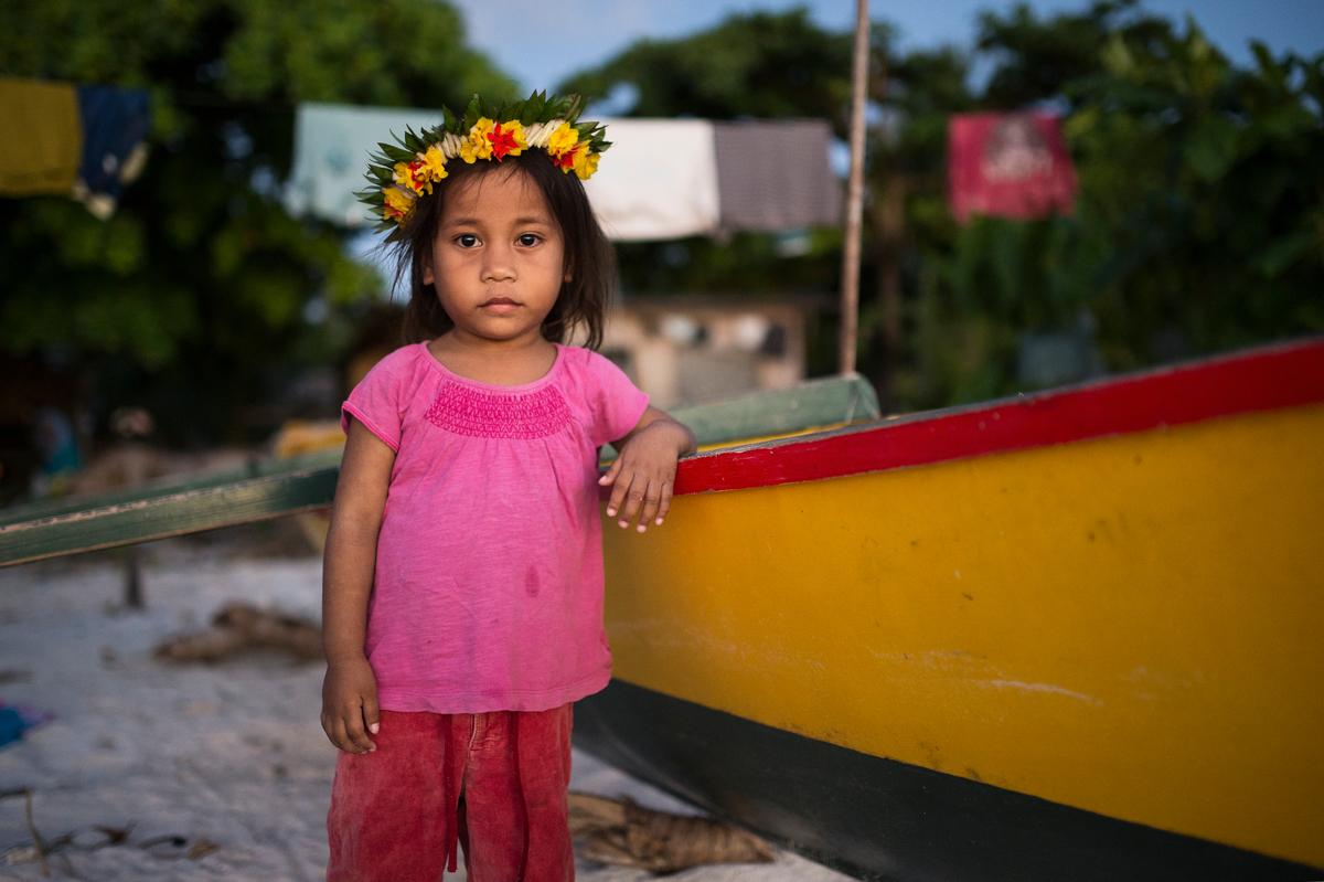 Young Girl on Tarawa Island © Christian Åslund / Greenpeace