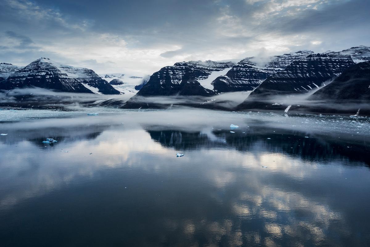 Glacier Ice Scenics Greenland © Christian Åslund / Greenpeace