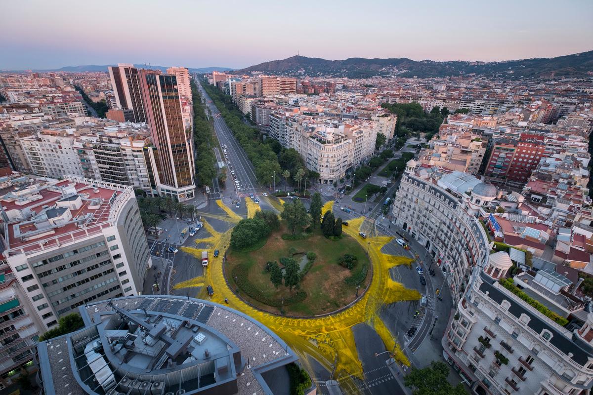 Sun Action in Barcelona © Pedro Armestre / Greenpeace