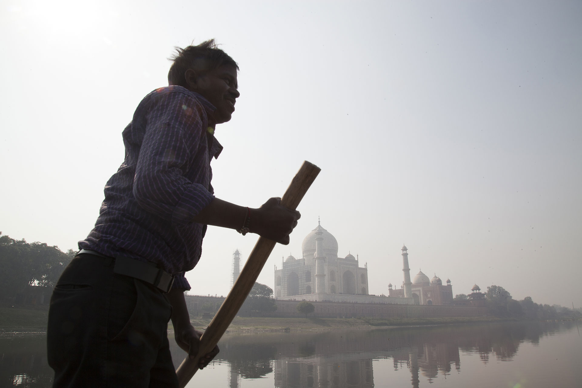 Pollution around the Taj Mahal in India © Vinit Gupta / Greenpeace