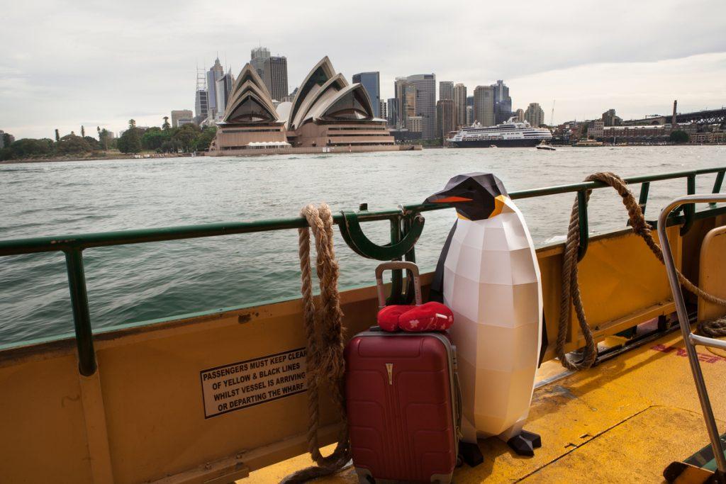 March of the Penguins in Sydney © Zoe Jeanne Burrell / Greenpeace