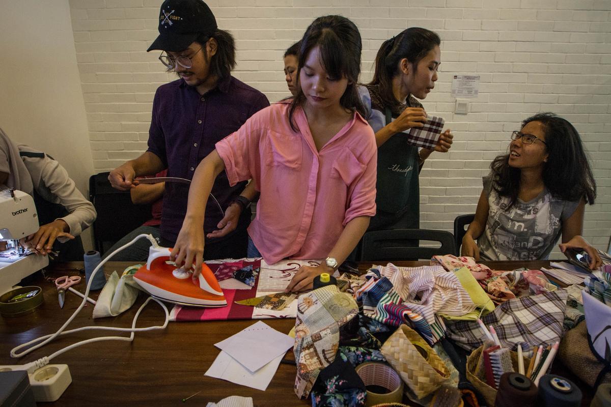 MAKE SMTHNG Workshop in Jakarta © Afriadi Hikmal / Greenpeace