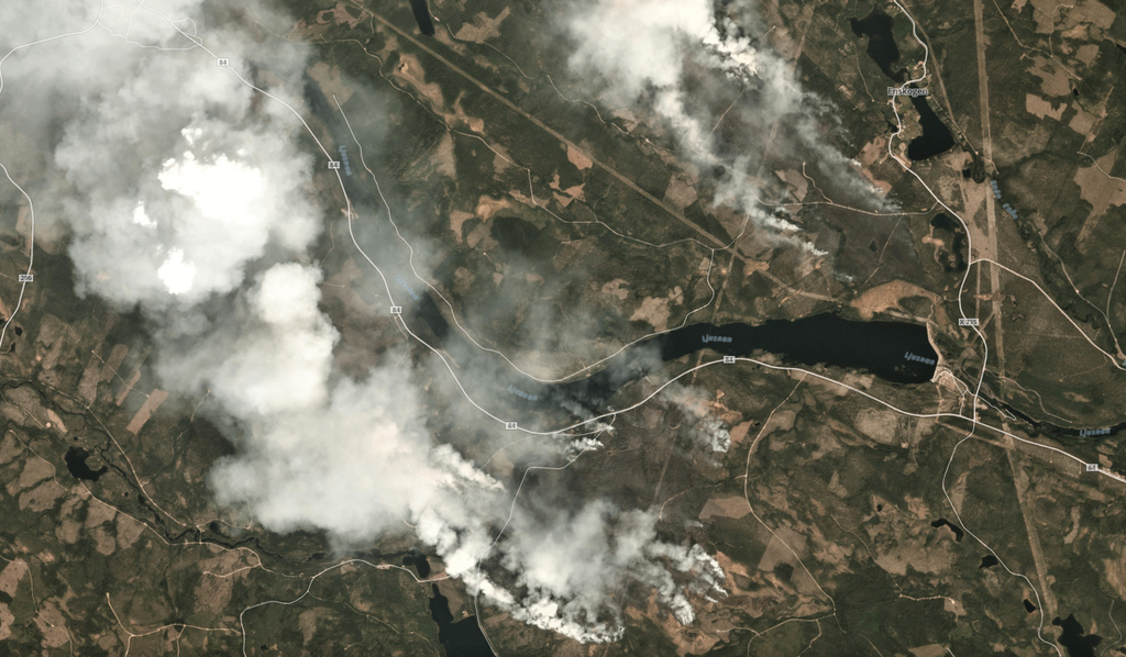Satellite images show wildfire over Sweden © Planet.com on 2018-07-17