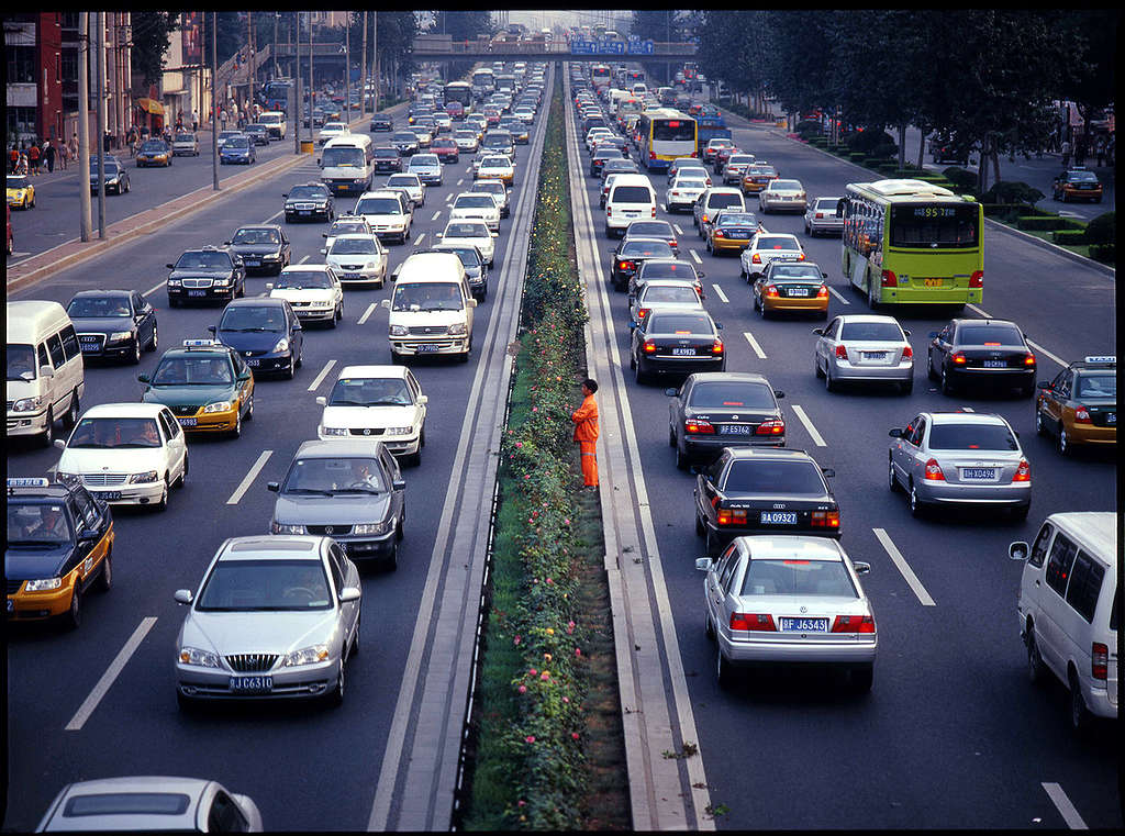 Cars in Beijing © Greenpeace / Natalie Behring