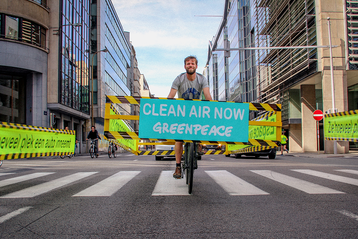 International Car-Free Day in Belgium © Elodie Mertz / Greenpeace Belgium