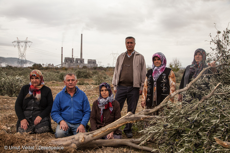 Local people from Yirca village in Turkey © Umut Vedat/Greenpeace