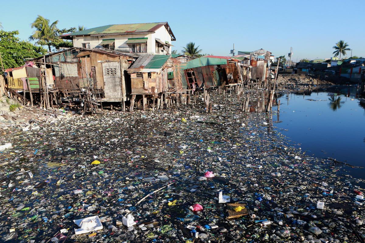 Wastes Documentation in Navotas, Manila. © Greenpeace