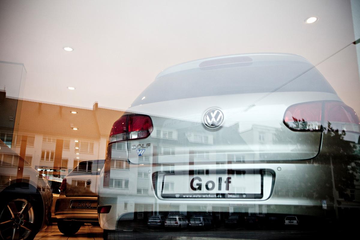 VW Car Golf. © Fred Dott / Greenpeace