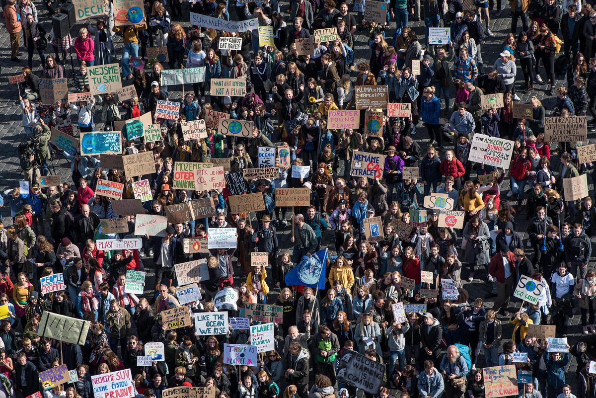 Global Climate Strike in Prague. © Petr Zewlakk Vrabec / Greenpeace