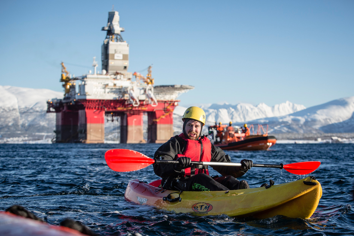 Protest Against Norwegian Oil Rig Bound for the Arctic. © Will Rose / Greenpeace