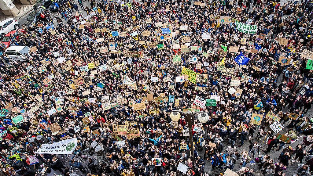 Global Student Strike in Prague. © Petr Zewlakk Vrabec / Greenpeace