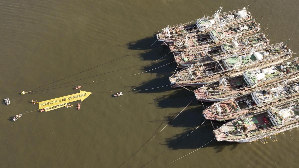 Activists Expose Destructive Fishing Vessels in the South Atlantic. © Fernando Garcia / Greenpeace