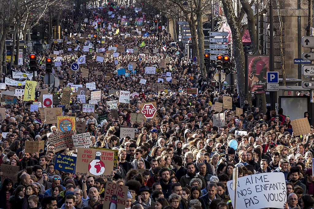 Walk for the Climate in Paris La Marche du Siècle à Paris
