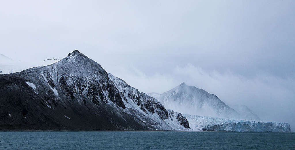 False Bay Glaciers in the Antarctic. © Paul Hilton / Greenpeace