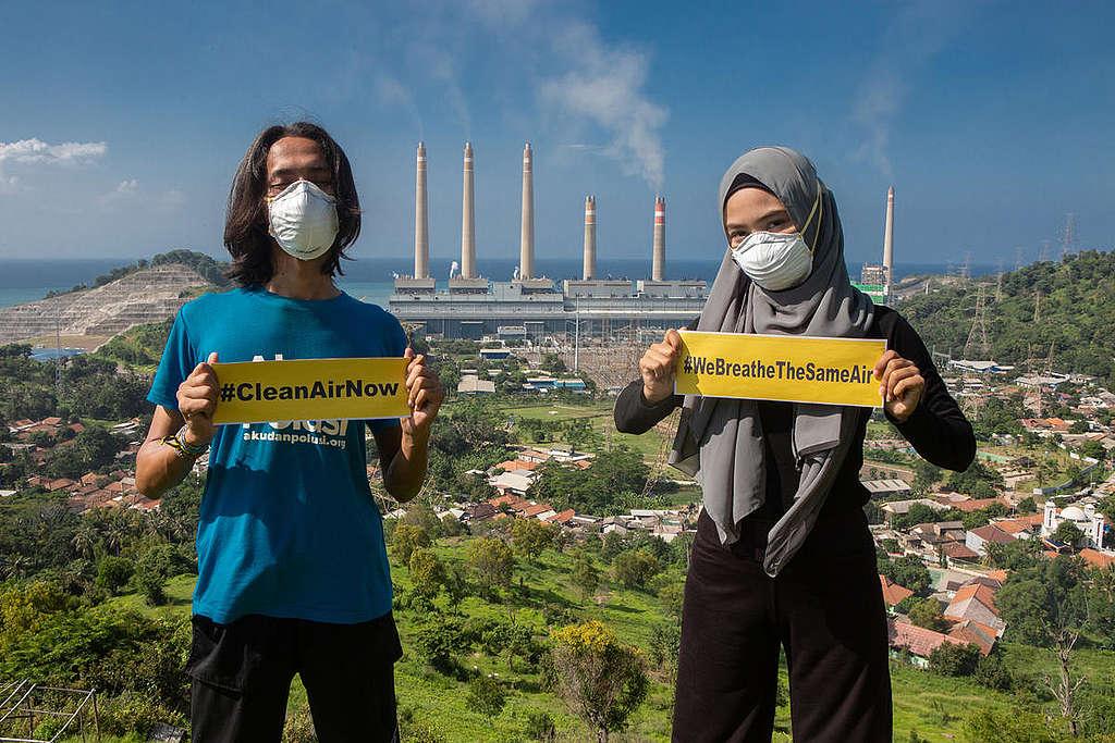 Clean Air Now Photo Op in Banten. © Rendra Hernawan / Greenpeace