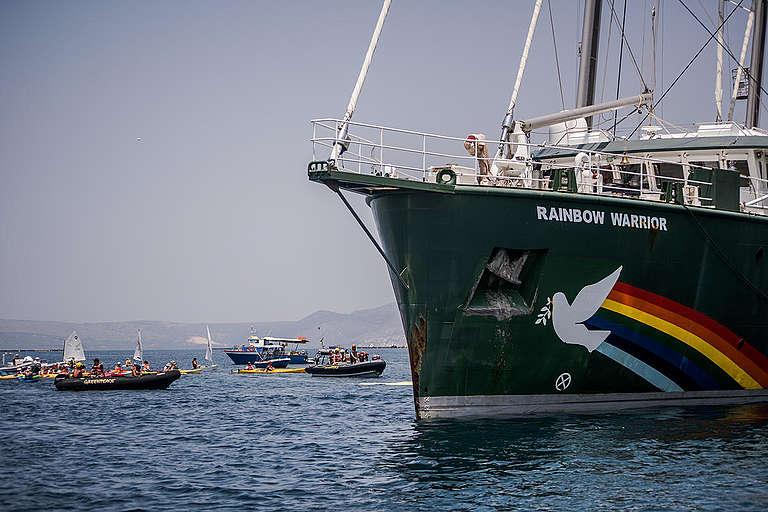 Rainbow Warrior in Kefalonia Greece. © Constantinos Stathias / Greenpeace