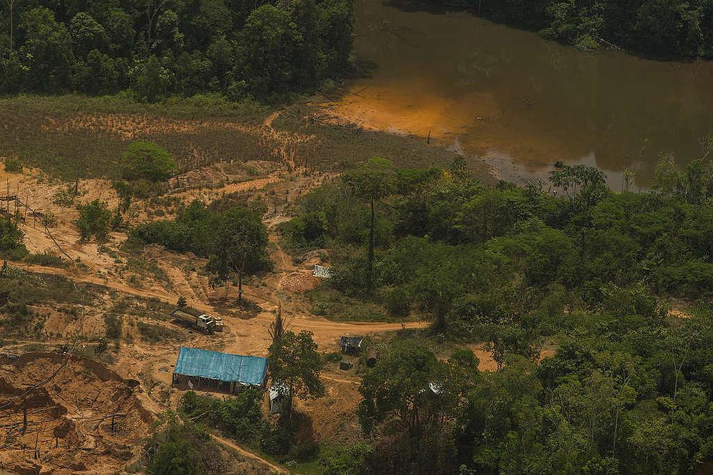 Illegal Mining in Munduruku Indigenous Land in Brazil. © Christian Braga / Greenpeace