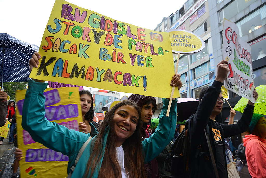 Global Climate Strike March in Turkey. © Yasin Akgul / Greenpeace