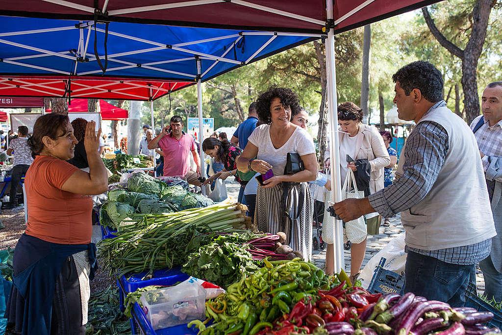 Farmer Market in Turkey. © Mert Çakir / Greenpeace