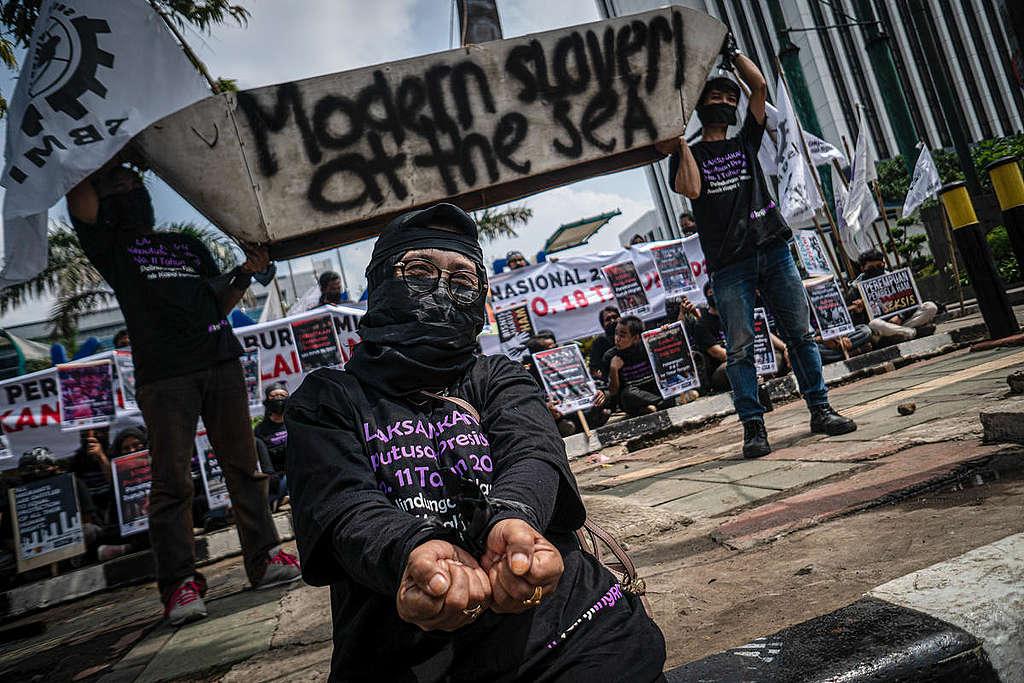 Migrant Labor Day Protest in Jakarta. © Edsah Setiawan / Greenpeace