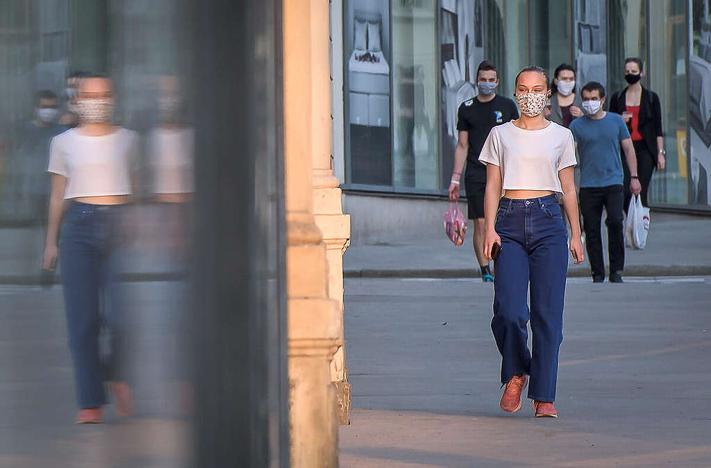 Coronavirus (COVID-19) Shutdown in Prague. © Petr Zewlakk Vrabec / Greenpeace