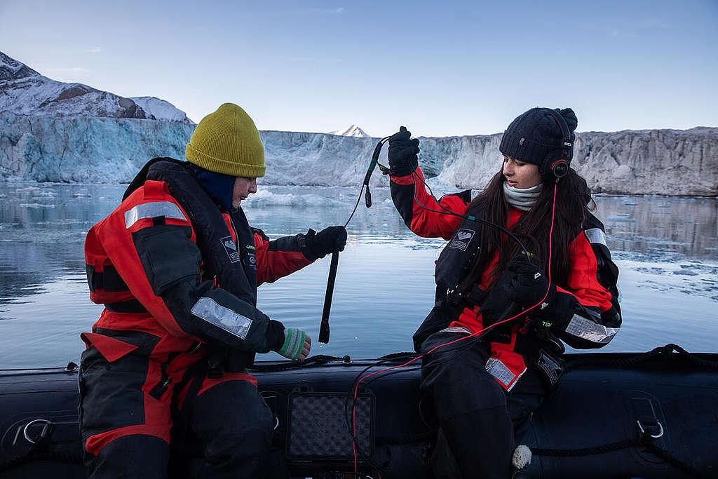 Hydrophone Research in Svalbard. © Daniella Zalcman / Greenpeace