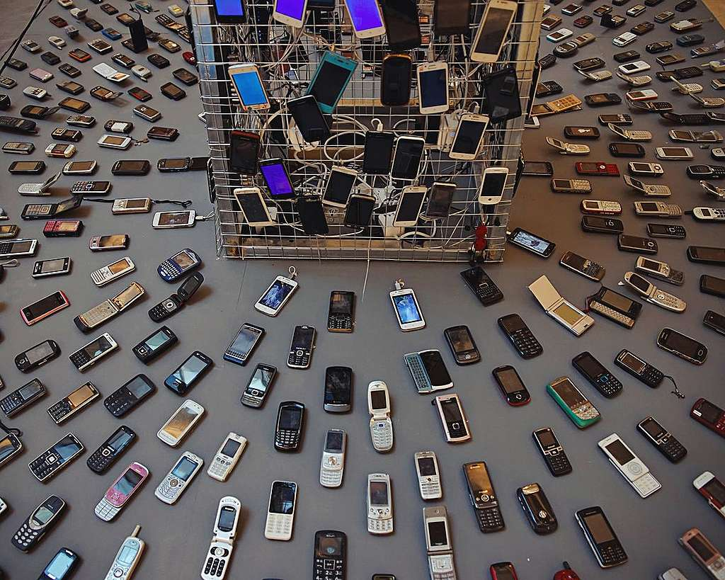 The Mobile Phone Resource Cycle Exhibition in Beijing. © Greenpeace / Yan Tu