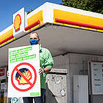Group Action Day against Shell Decommissioning Plans in Hamburg. © Daniel Müller / Greenpeace