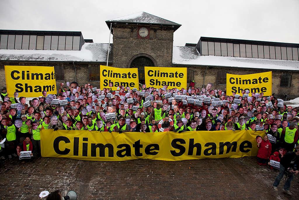 Climate Shame in Copenhagen. © Kristian Buus / Greenpeace