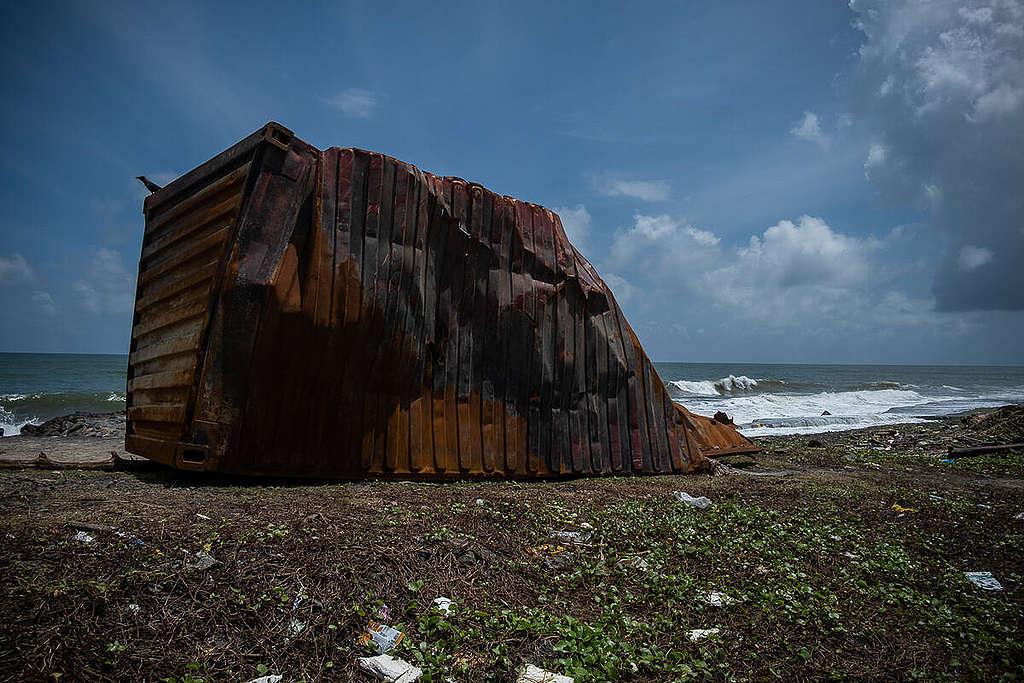 X-Press-Pearl Accident Aftermath in Sri Lanka. © Tashiya de Mel / Greenpeace
