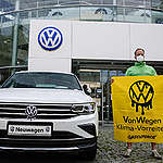 Greenpeace activists protest for climate protection and a rapid phasing out of internal combustion engines by Volkswagen. © Gordon Welters / Greenpeace