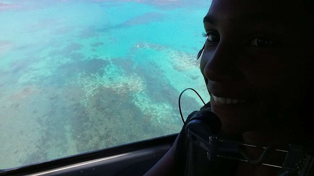 Helicoptor trip with view on crystal clear ocean ©Aurelie Hector