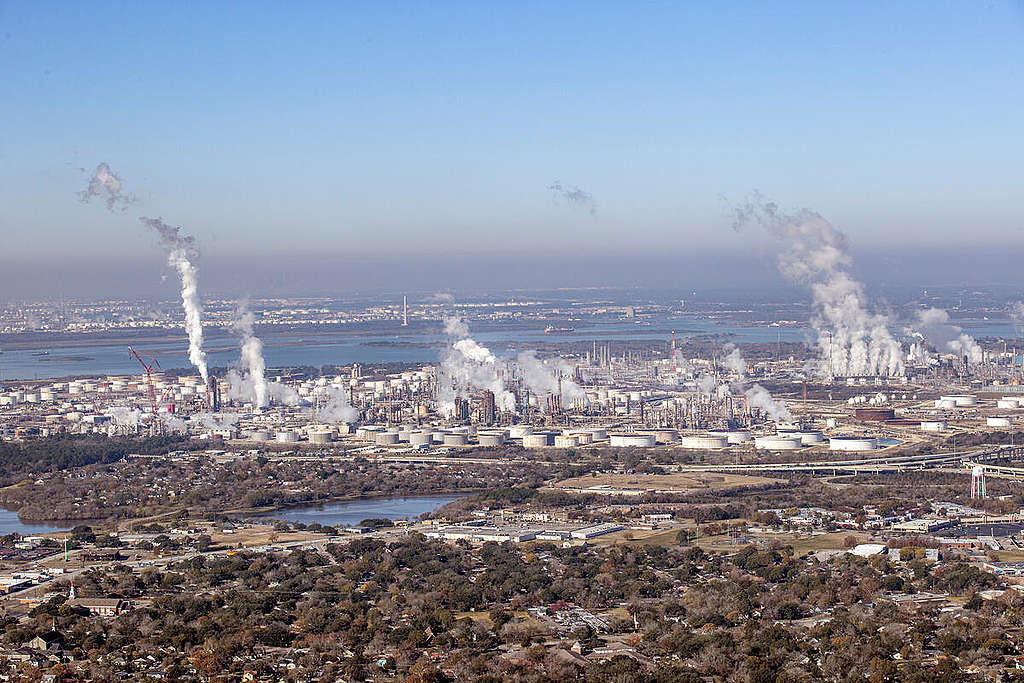 Oil Facilities in Texas. © Aaron Sprecher / Greenpeace