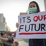 More than one hundred people including youth and tourists have participated in the Climate Strike in Bangkok, marching around Lumpini park to call on Thai government to urgently tackle the climate emergency crisis. The activity is part of the 4th Global Climate Strike.
