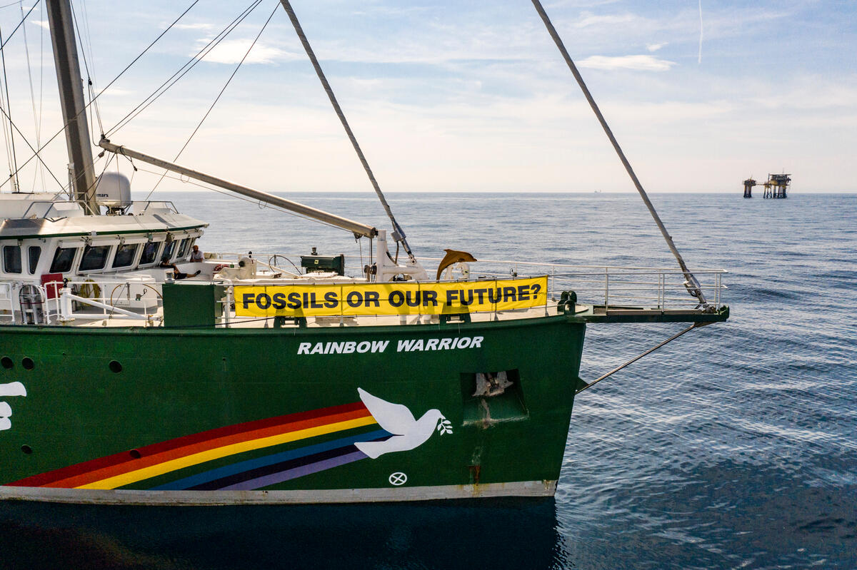 Project North Sea: Rainbow Warrior with Banner in Denmark. © Suzanne Plunkett / Greenpeace