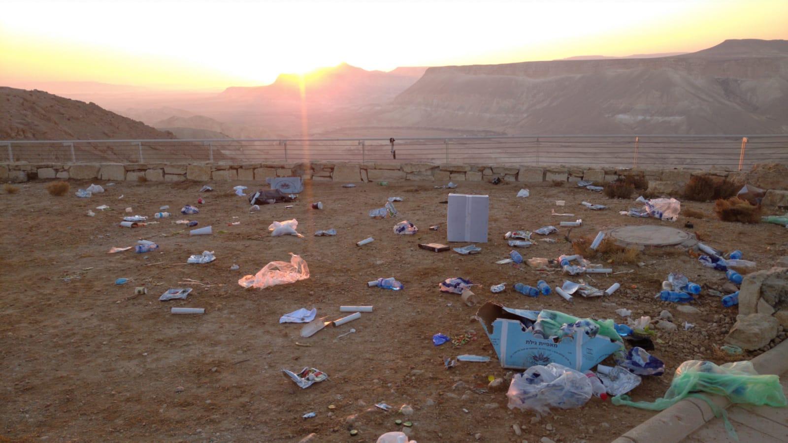 טקס ממלכתי לאזכרה של בן גוריון מזהם את המדבר (צילום: אלמוג בן זכרי)