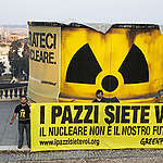 A giant nuclear barrel appeared on the top of Pincio in Rome.  Inside the barrel  two activist.  Greenpeace ask to the italian government to stop back to the nucear energy and to give to the italian people, the opportunity to vote at the Referendum.