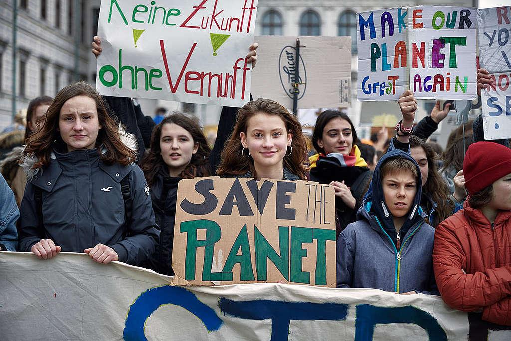 Fridays for Future Student Demonstration in Vienna. © Mitja Kobal / Greenpeace