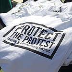 Giornata mondiale libertà di stampa, oltre venti organizzazioni scrivono alla Commissione Ue: «Serve una direttiva che tuteli media e mobilitazione dei cittadini da intimidazioni delle multinazionali dei combustibili fossili»
