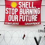 Vittoria storica per il clima! Una corte dei Paesi Bassi ordina a Shell di ridurre drasticamente le emissioni di CO2