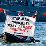 In azione! Lanciata oggi l'iniziativa dei Cittadini Europei per vietare la pubblicità dell'industria dei combustibili fossili nella Ue