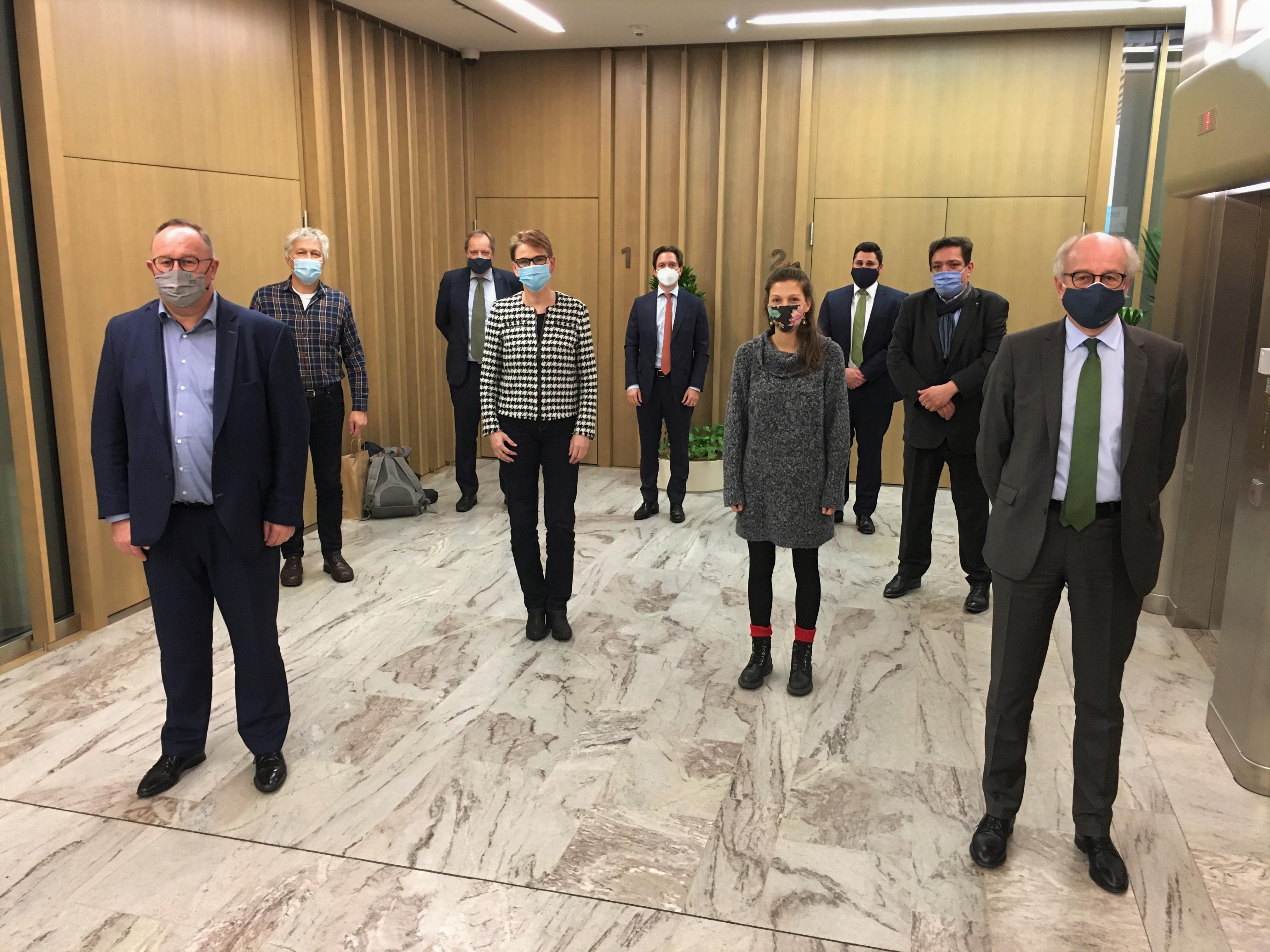 Greenpeace diskutierte mit Minister Schneider und Vertretern des Luxemburger Pensionsfonds über die Investitionspolitik des FDC