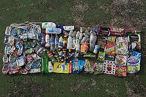Müll der am Strand von Wonnapa (Thailand) eingesammelt wurde.