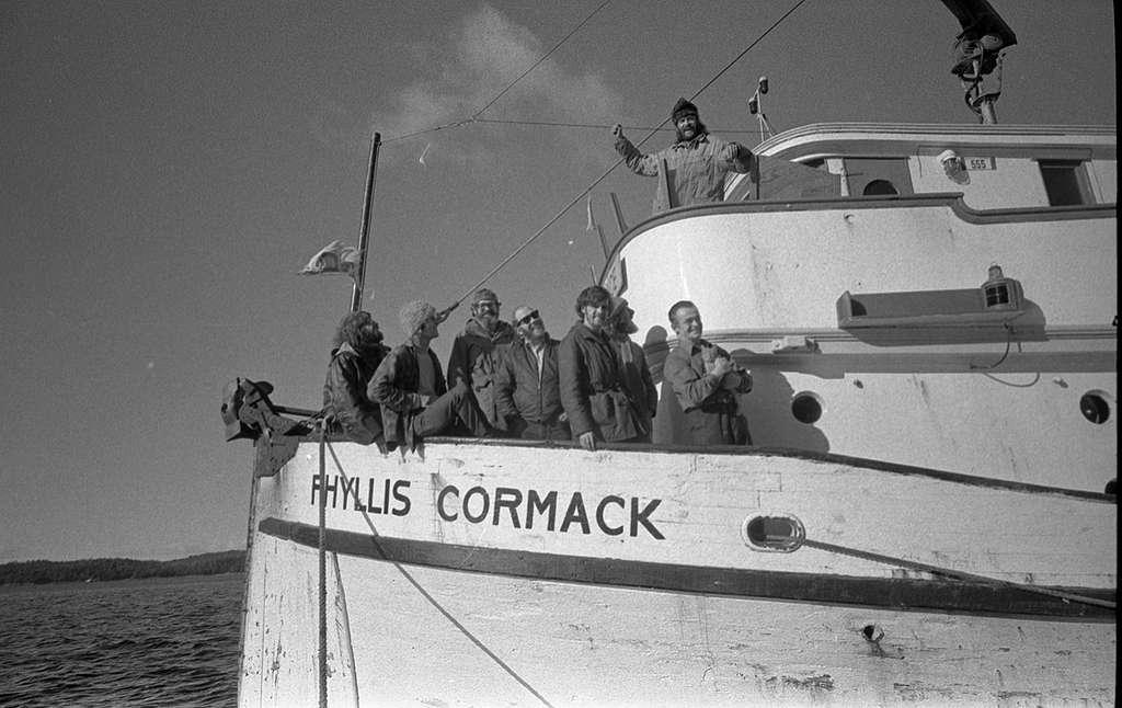 À bord du navire 'Phyllis Cormack' lors du premier voyage de Greenpeace contre les essais nucléaires américains au large des côtes du Canada