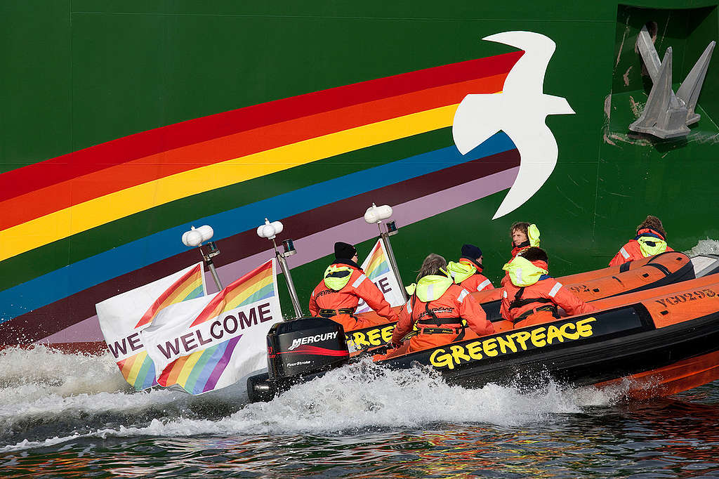 Rainbow Warrior Arrives in Amsterdam. © Bas Beentjes / Greenpeace