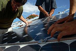 Solar Power for Greenpeace Office Brazil. © Rodrigo Baléia