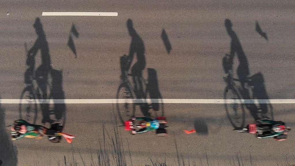Ciclistas en el espacio público