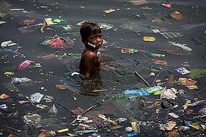 Plastic Waste at Manila Bay Beaches. © Daniel Müller / Greenpeace