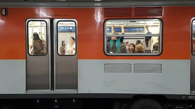 Metro 50 años