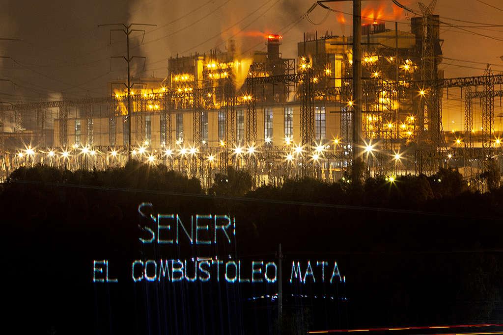 Proyección de Greenpeace desde la termoeléctrica de Tula Hidalgo